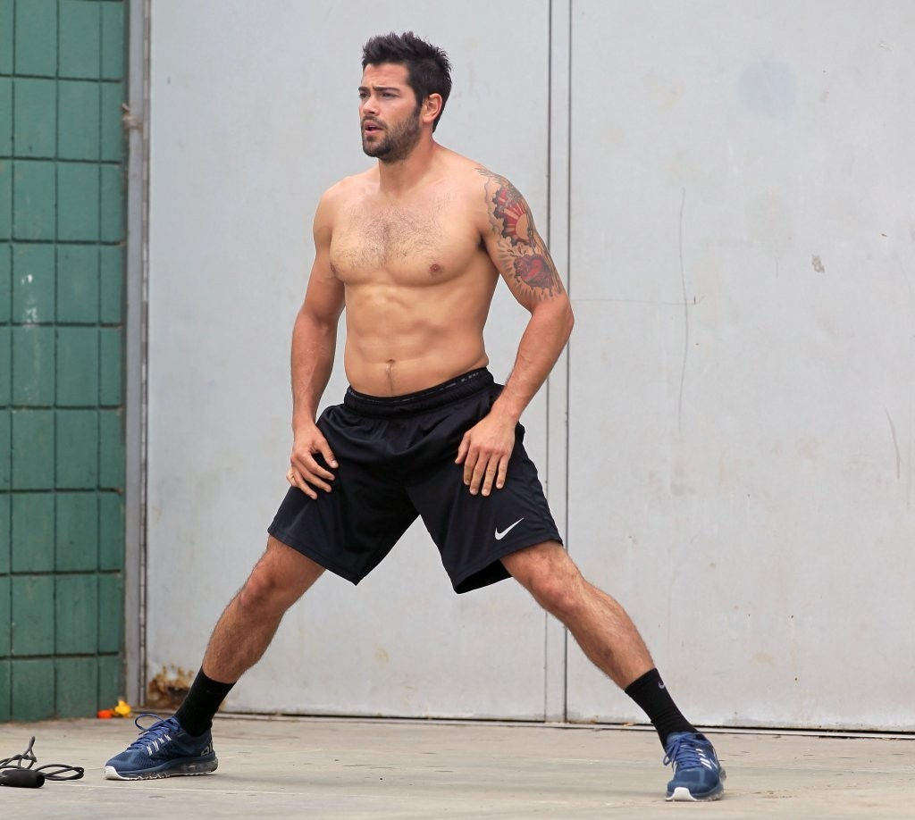 Jesse Metcalfe Shirtless Workout   Oh yes I am