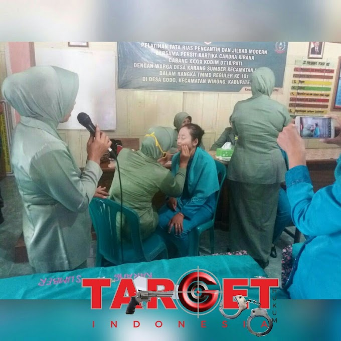 Giliran Istri Prajurit, Beri Pelatihan Rias Pengantin Bagi Warga Desa Godo Dan Desa Karangsumber