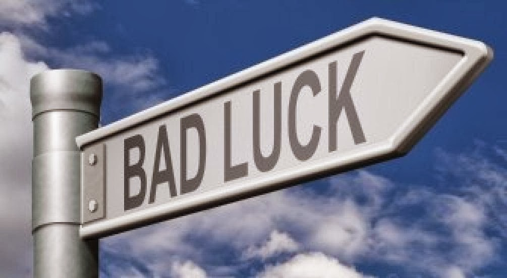 Les deux sœurs 9497589-bad-luck-road-sign-unlucky-bad-day-or-bad-fortune-misfortune-arrow