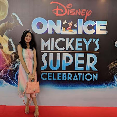 Claudia Andhara di One Ice Mickey