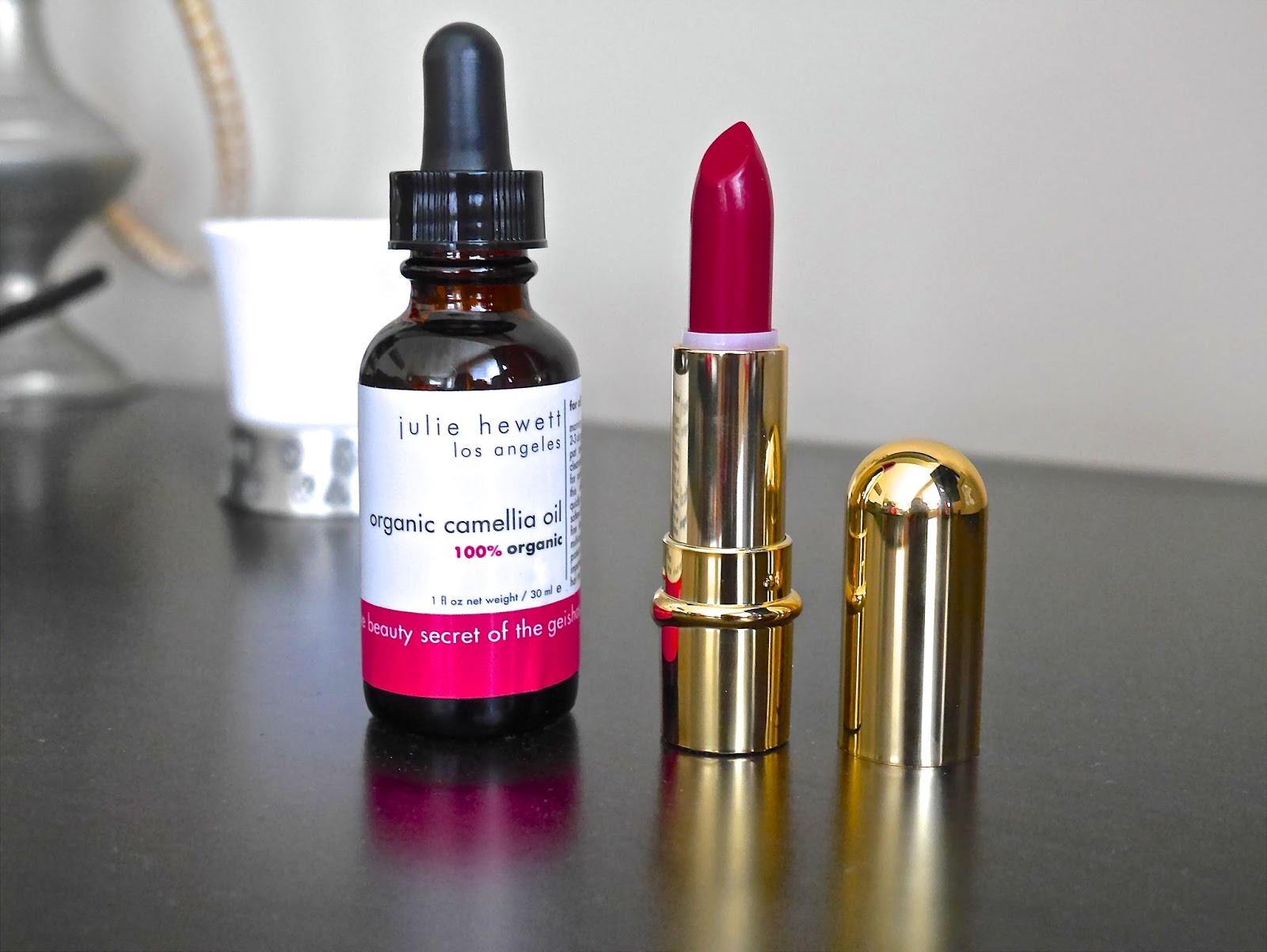 matte lipstick, facial oil, organic, natural, celebrities makeup artist