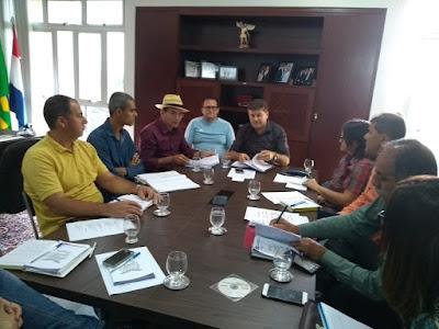 Prefeito Fernando Pergentino se reúne com secretários para discutir planejamento e traçar metas