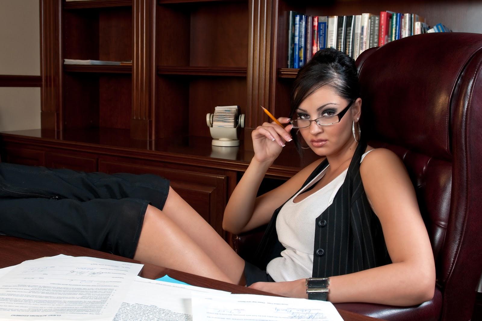 Рассказ шеф и секретарша, Лариса Маркиянова. Секретарша босс (рассказ) 7 фотография