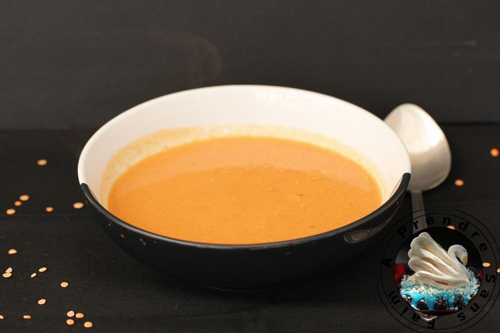 Soupe de lentilles corail au lait de coco et citron vert