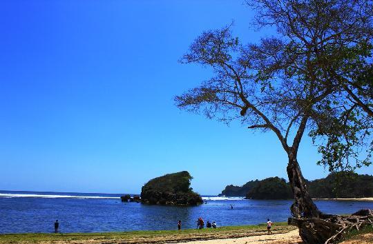 Gambar Pantai Kondang Merak