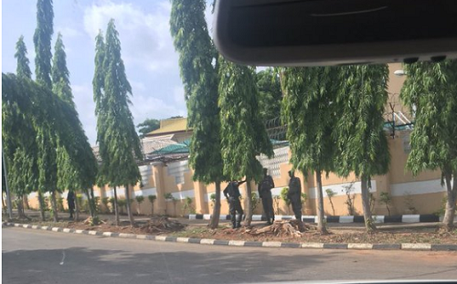 EFCC Storms Fani-Kayode's House As Ex-Minister Says He Now Leaves Them To God