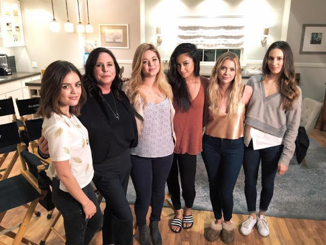 The Pretty Little Liars August 2016