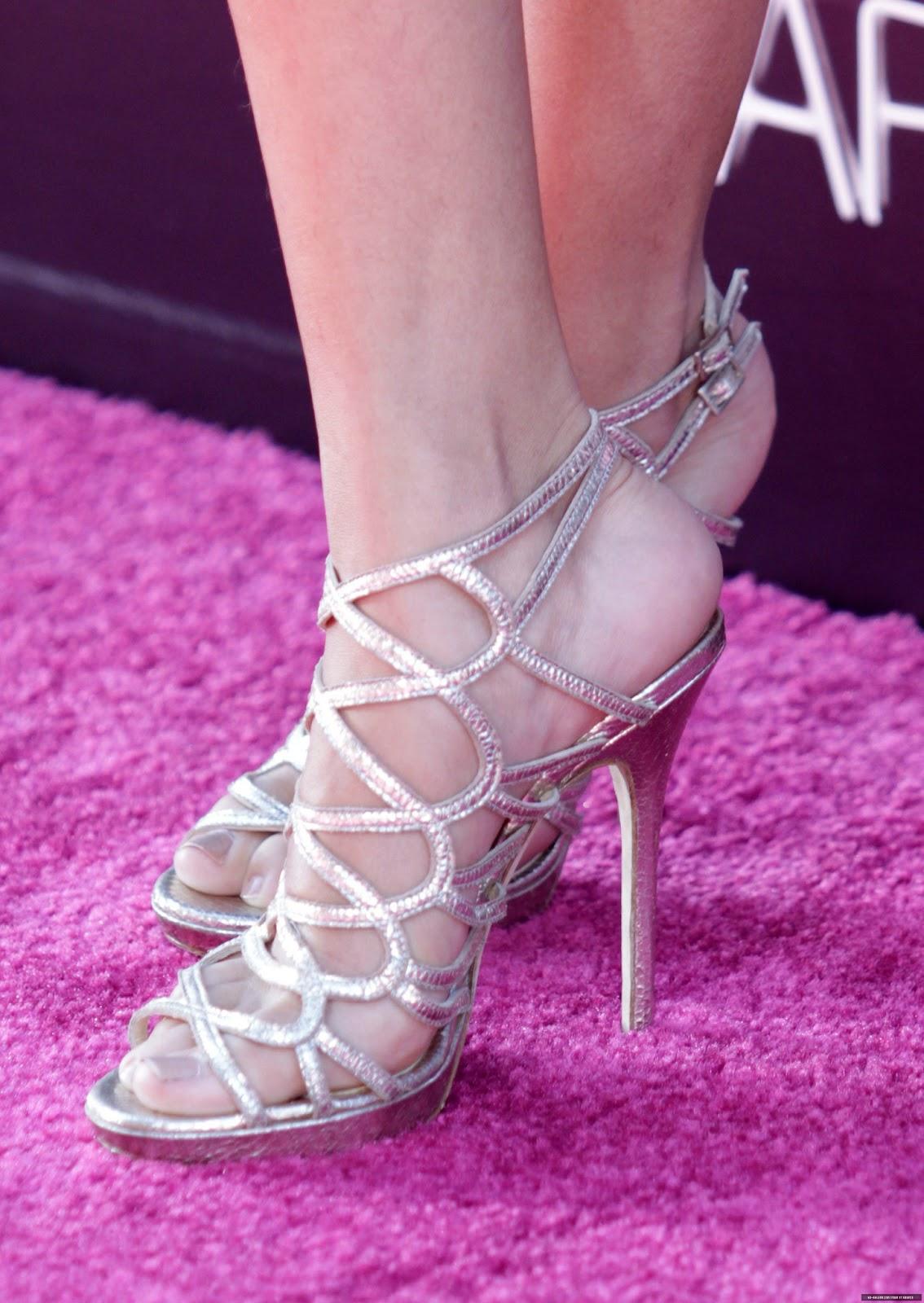 Selena Gomez Hd Feet Photos Sexy Feet Capture - Celebrity -3888