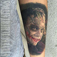 Tatuaje de The Joker Heath Ledger realista