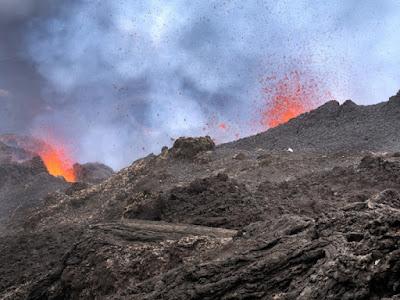Una nova investigació utilitza satèl·lits per predir el final de les erupcions volcàniques