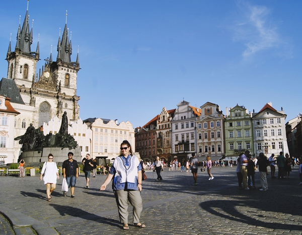 Aliceee-in-Praga