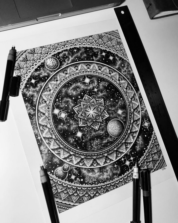 08-Tyler-Hays-Mandala-Drawings-www-designstack-co