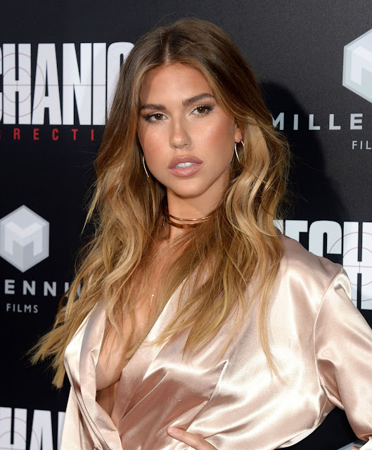 Kara Del Toro – 'Mechanic: Resurrection' Premiere at ArcLight Hollywood, in LA