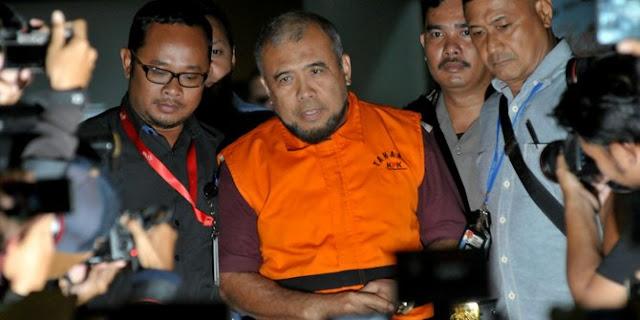 Diduga menerima Suap, Hakim MK Patrialis Akbar ditangkap KPK