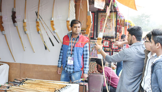 Surajkund fair has come up for the fight, the bow and arrow