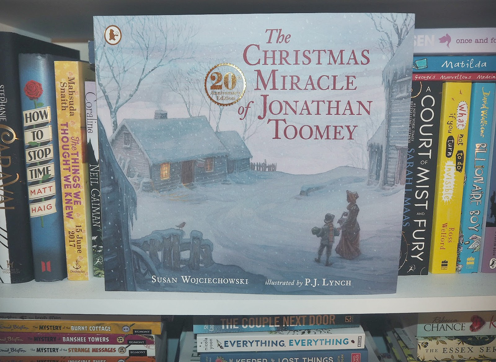 Exploring children's literature #1 – THE CHRISTMAS MIRACLE OF JONATHAN TOOMEY by Susan Wojciechowski | Hollie in Wanderlust | Book Review