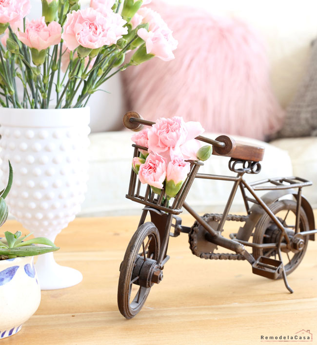 Little decor bike with pink flowers