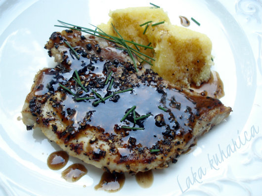 Glazed pork chops by Laka kuharica: pan-grilled pork chops with amazing balsamic and honey glaze.