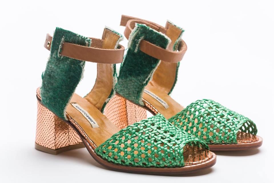 Lourdes Chicco Del De Zapatos Fabricación Participa Taller tQohdCsrxB