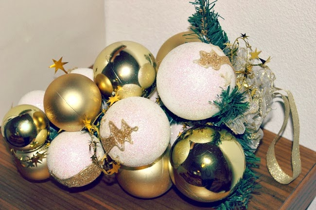 white and gold Christmas decoration