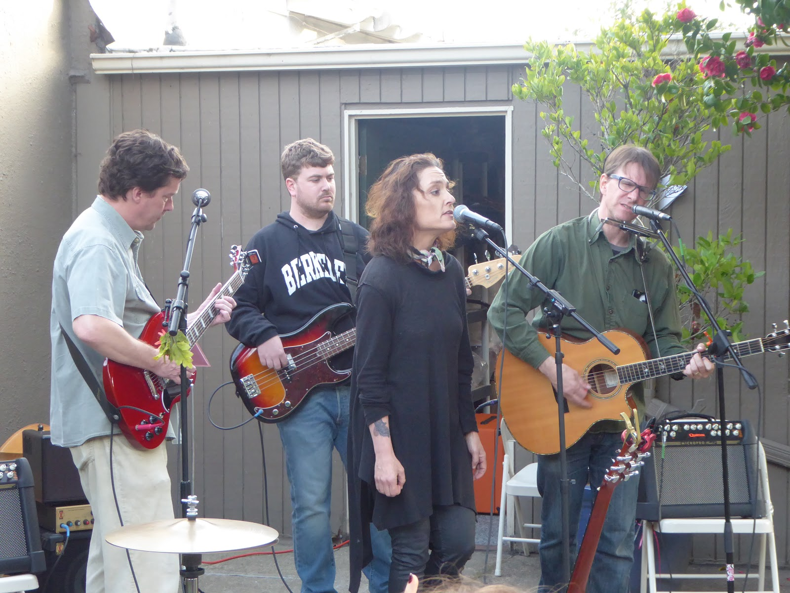 Deborah Crooks A More Diverse Form Of Americana Blog Byo Concert Small In Sand Alameda House Photos By Tania Johnson
