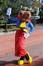 Unofficial Disney Character Hunting Guide Frontierland