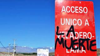 Después de casi 12 horas de bloqueo al camino minero, la Justicia dispuso el desalojo de la ruta. Asambleístas del Encuentro Interterritorial de Jóvenes en Lucha fueron detenidos.