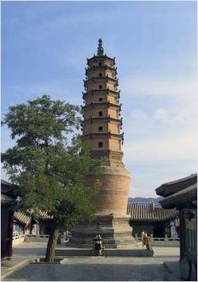 วัดเจดีย์ขาว (White Pagoda Temple)
