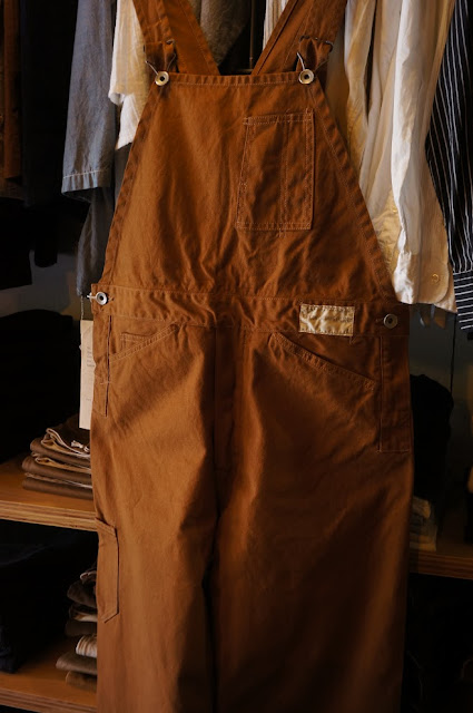 THE Y.M.WALK ON BIB&BRACE OVERALLS COGNAC