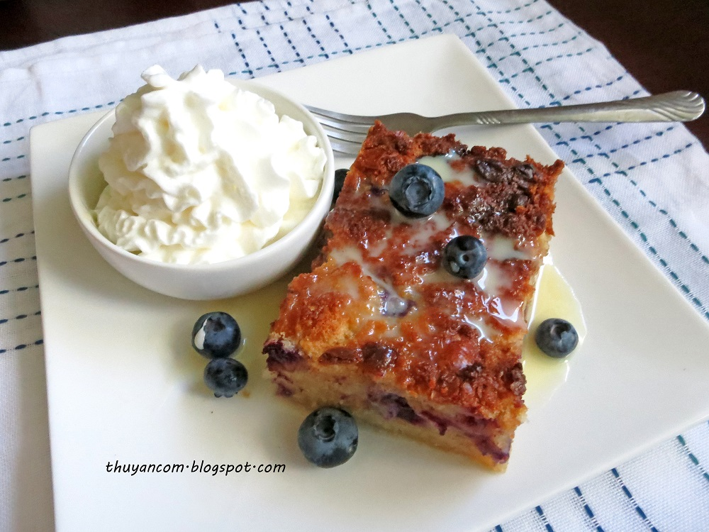 Blog of Salt: Blueberry Bread Pudding w/ Condensed Milk Sauce