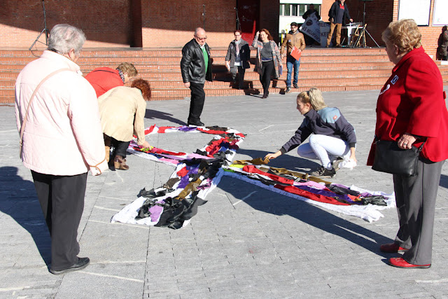 Lazo realizado con retales en Herriko Plaza