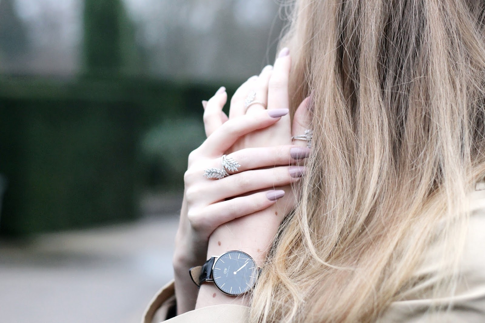 Evening look for hands featuring watch jewellery and manicure