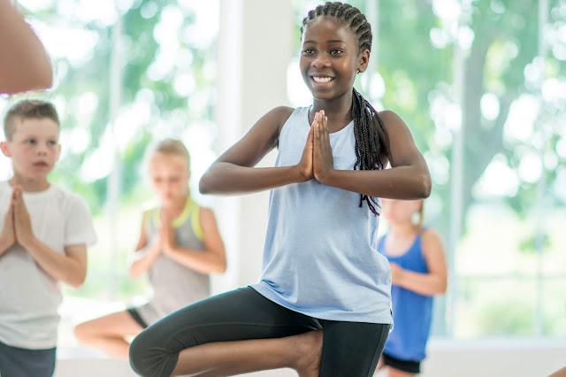 TOP 4 Lợi ích Yoga mang đến cho học sinh
