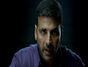 Airlift Full Hindi Movie Download 2016
