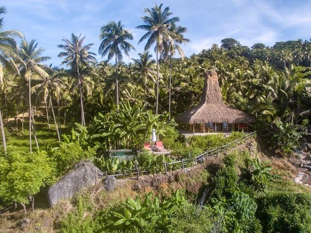 Resort với bungalow với nội thất, tấm lợp sinh thái mát mẻ