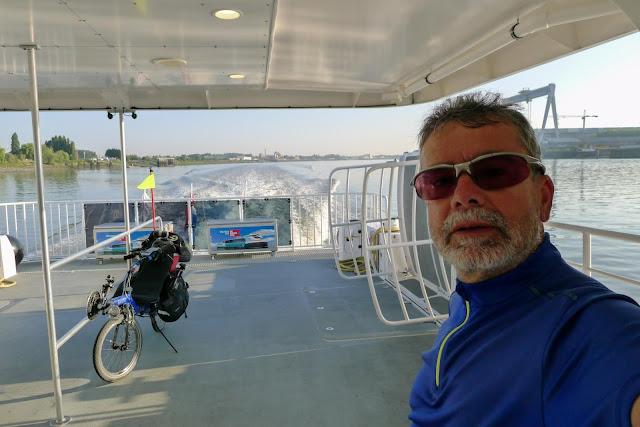 Tour de la Belgique en vélo,Anvers, bateau bus