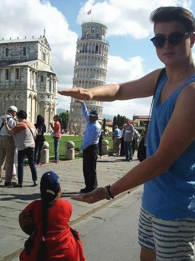 8 Foto Sempurna di Menara Pisa Ini Keren!
