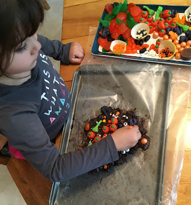 making halloween candy bark at home