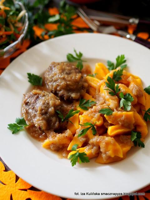 poliki wieprzowe w sosie, sos selerowo piwny, wieprzowina duszona w piwie, piwo do sosu, mięso wieprzowe