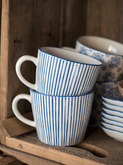 https://www.shabby-style.de/casablanca-blau-becher-stripes-mit-henkel