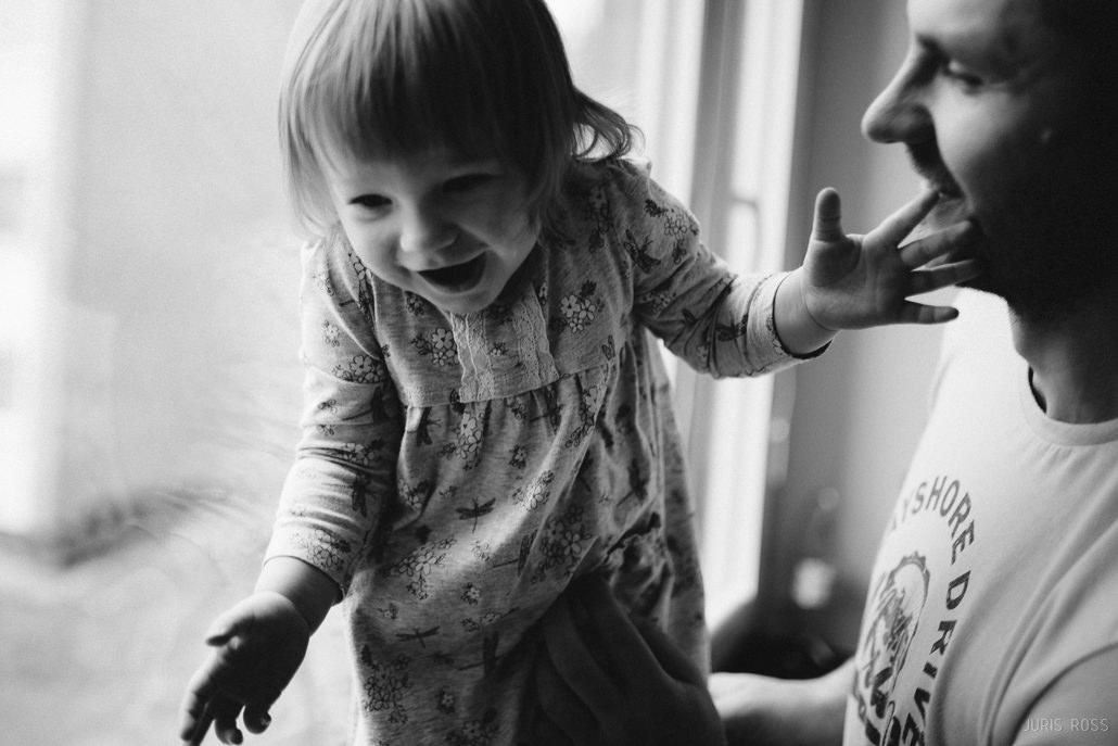 tētis ar meitu