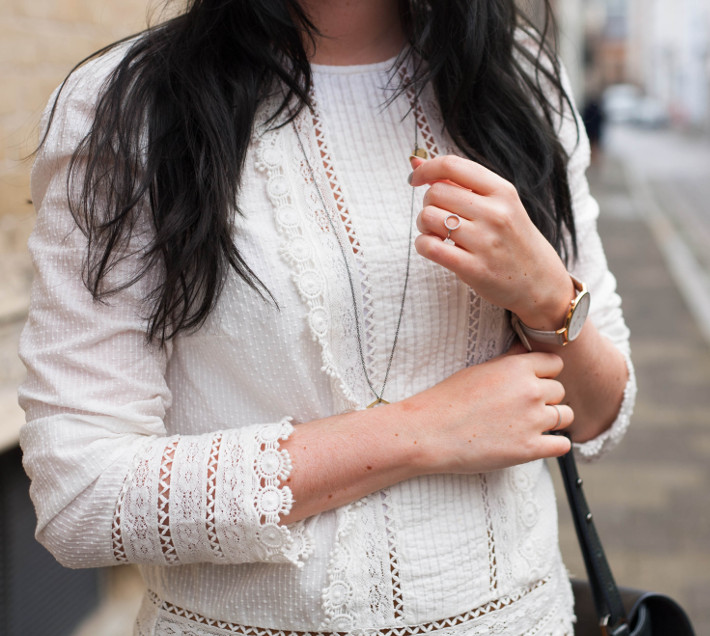 Edwardian blouse, lobogato necklace, diamanti per tutti ring