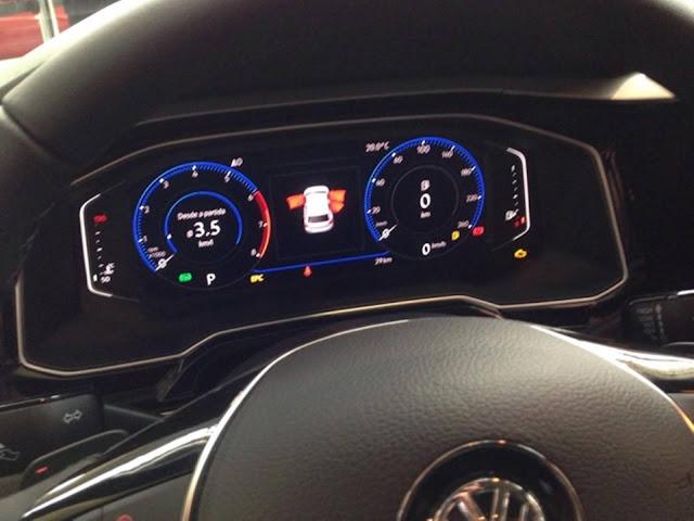Novo VW Virtus 2018 - interior - painel digital