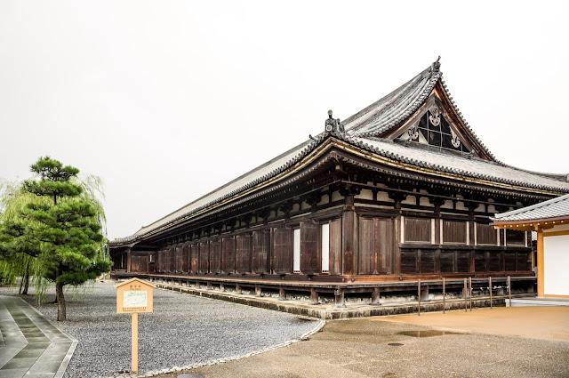 Nave principal del templo de Sanjusangen-do :: Canon EOS5D MkIII | ISO200 | Canon 24-105@24mm | f/7.1 | 1/50s
