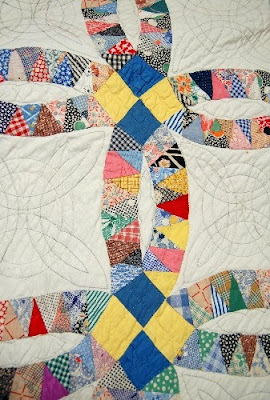 close up 1930s pickle dish quilt seen at ebay - Wedding Ring Quilt Pattern