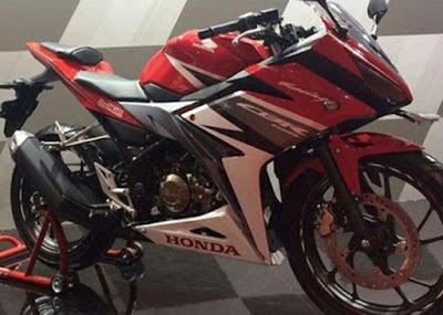 Honda CBR150R 2016 Merah 2