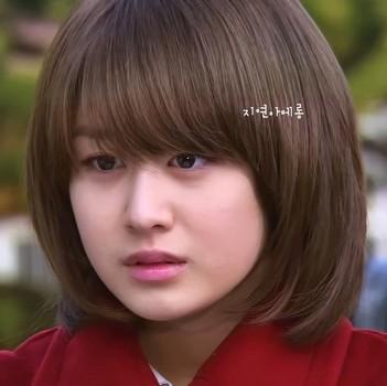 Style rambut pendek wajah bulat bob