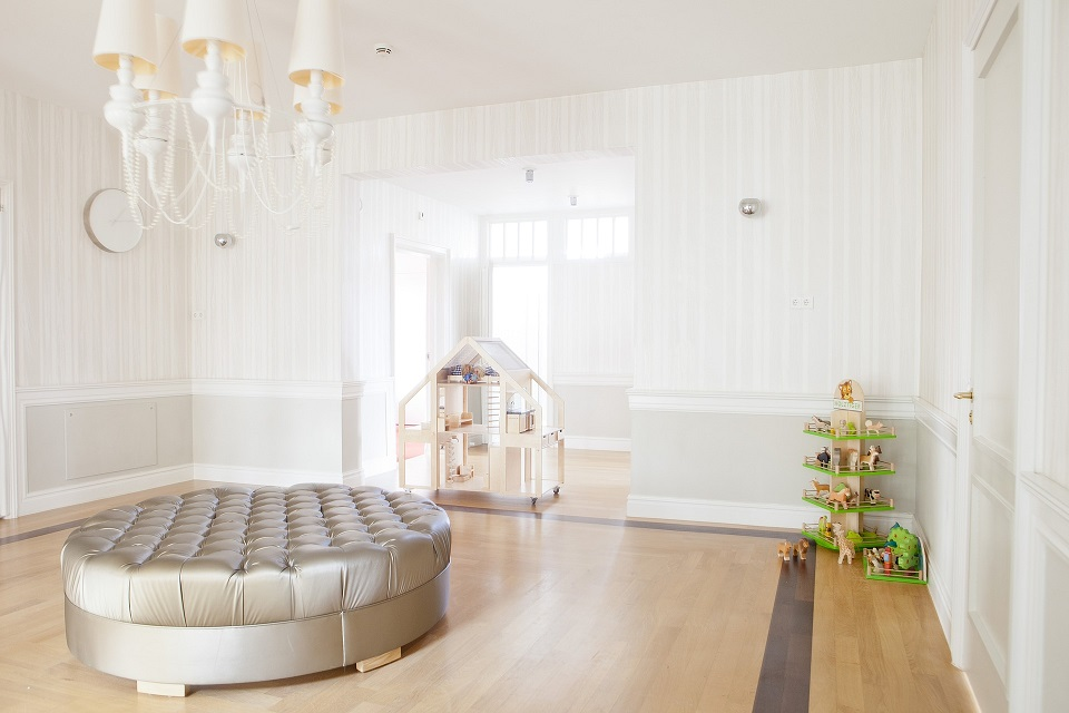 Have a Small Room? 7 Practical Tips to Fake Extra Space.