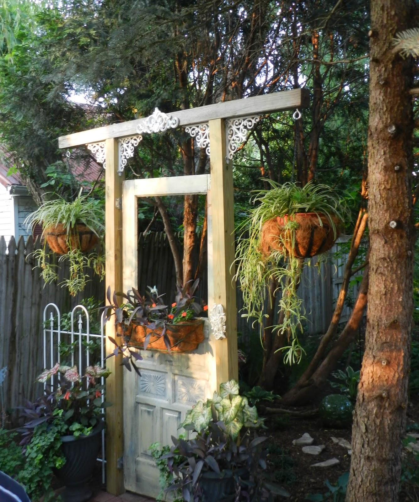 Prairie Rose's Garden: June Bloom Day on