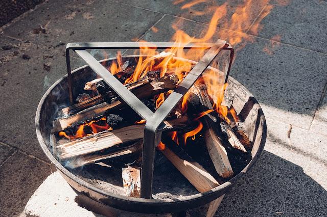 Petromax-Pfannenknecht  Outdoor-Kitchen  Unterstützung für Pfannen und Dutch Oven im Lagerfeuer. 06